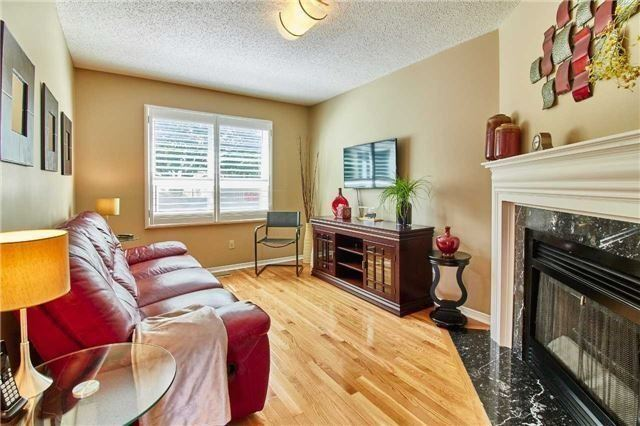 Detached at 6 Forest Heights St, Whitby, Ontario. Image 3