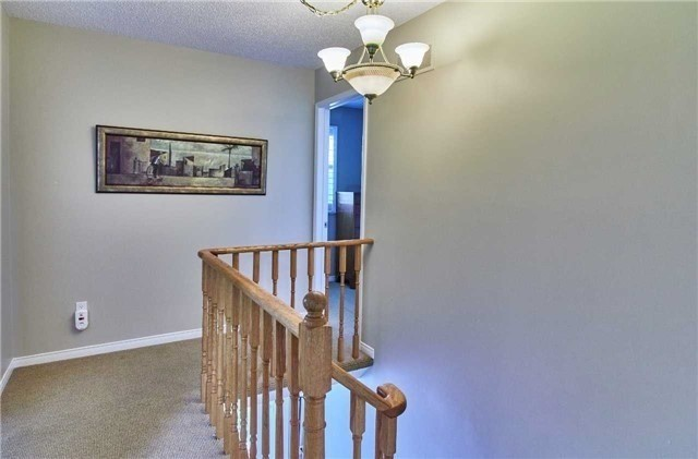 Detached at 6 Forest Heights St, Whitby, Ontario. Image 7