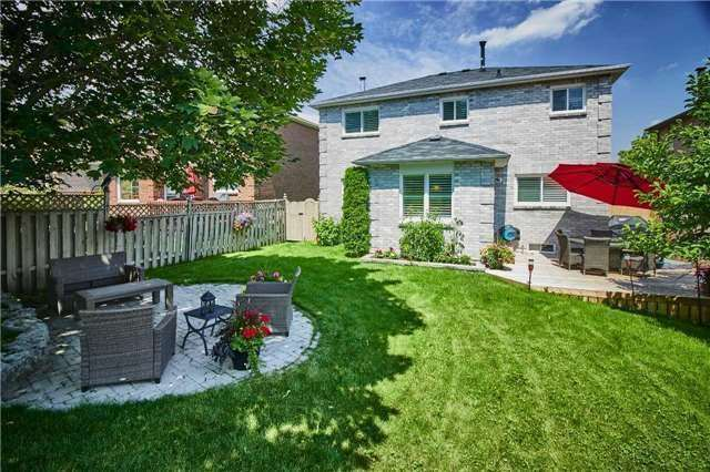Detached at 6 Forest Heights St, Whitby, Ontario. Image 9
