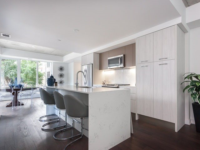 Condo Apartment at 630 Kingston Rd, Unit 203, Toronto, Ontario. Image 11
