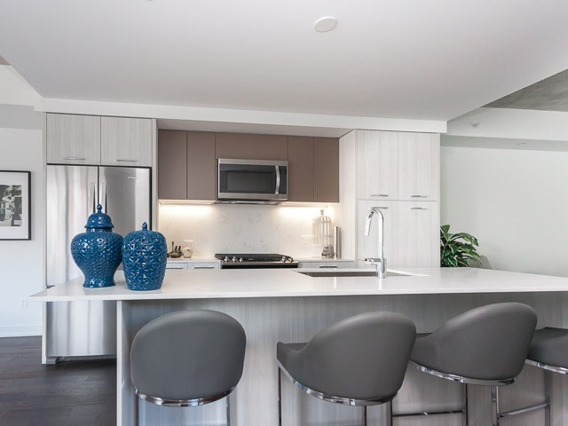 Condo Apartment at 630 Kingston Rd, Unit 203, Toronto, Ontario. Image 12