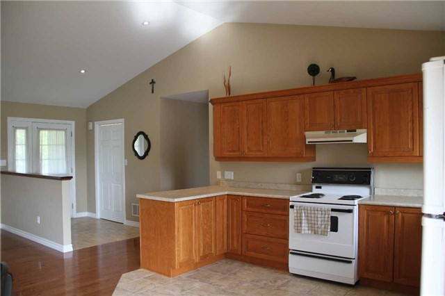 Detached at 2290 Clements Rd, Scugog, Ontario. Image 12