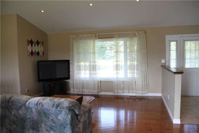 Detached at 2290 Clements Rd, Scugog, Ontario. Image 17