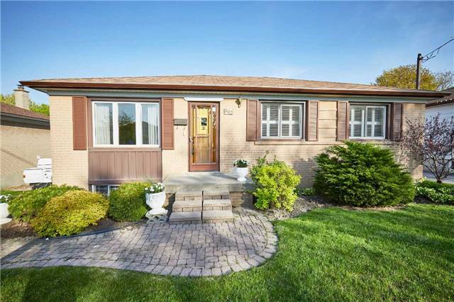 Detached at 307 Jasper Ave, Oshawa, Ontario. Image 1