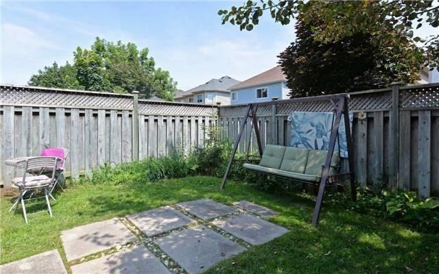 Townhouse at 31 Inlet Bay Dr, Whitby, Ontario. Image 11
