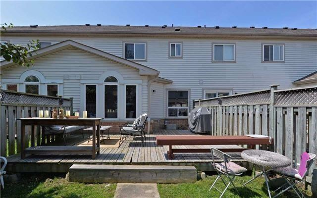 Townhouse at 31 Inlet Bay Dr, Whitby, Ontario. Image 13