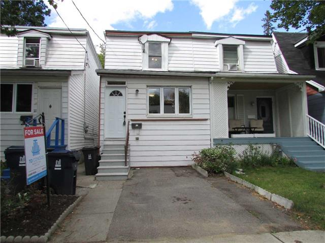 Semi-detached at 32 Aldwych Ave, Toronto, Ontario. Image 1