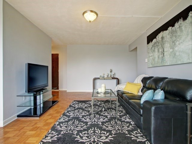 Condo Apartment at 915 Midland Ave, Unit 515, Toronto, Ontario. Image 19