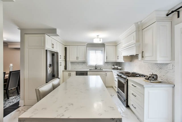 Detached at 15 Cherrydale Crt, Toronto, Ontario. Image 19