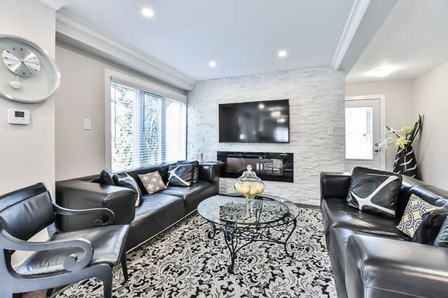 Detached at 15 Cherrydale Crt, Toronto, Ontario. Image 4