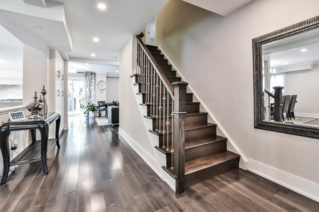 Detached at 15 Cherrydale Crt, Toronto, Ontario. Image 5