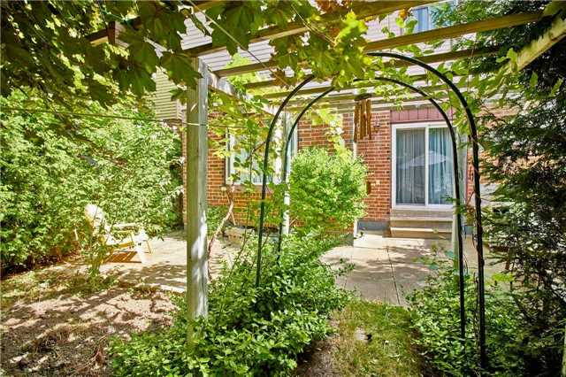 Detached at 18 Greenhedges Crt, Toronto, Ontario. Image 9
