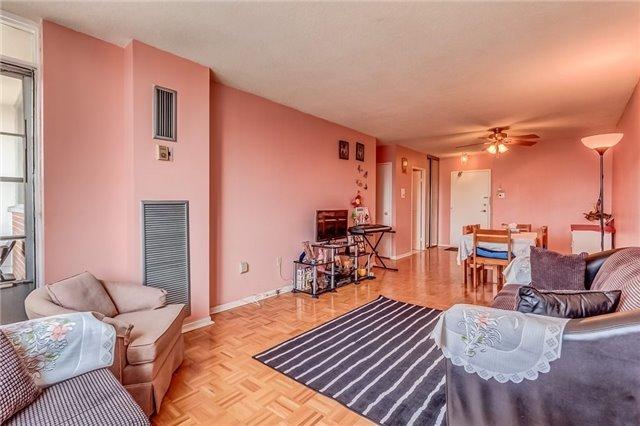Condo Apartment at 25 Silver Springs Blvd, Unit 702, Toronto, Ontario. Image 16