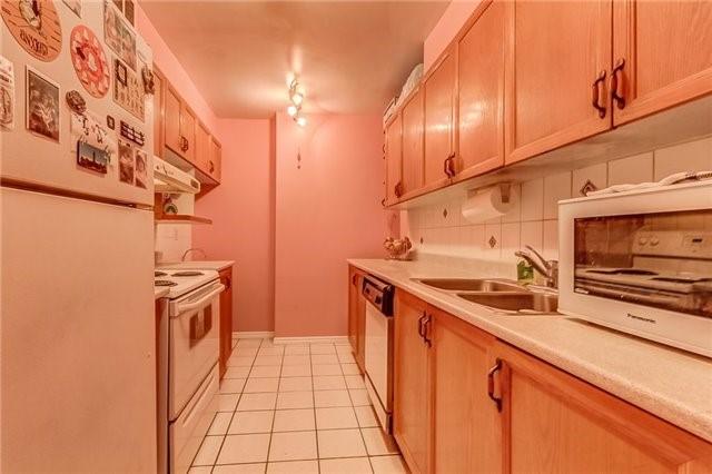 Condo Apartment at 25 Silver Springs Blvd, Unit 702, Toronto, Ontario. Image 18