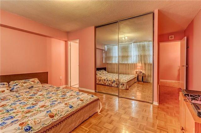 Condo Apartment at 25 Silver Springs Blvd, Unit 702, Toronto, Ontario. Image 7