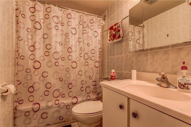 Condo Apartment at 25 Silver Springs Blvd, Unit 702, Toronto, Ontario. Image 8
