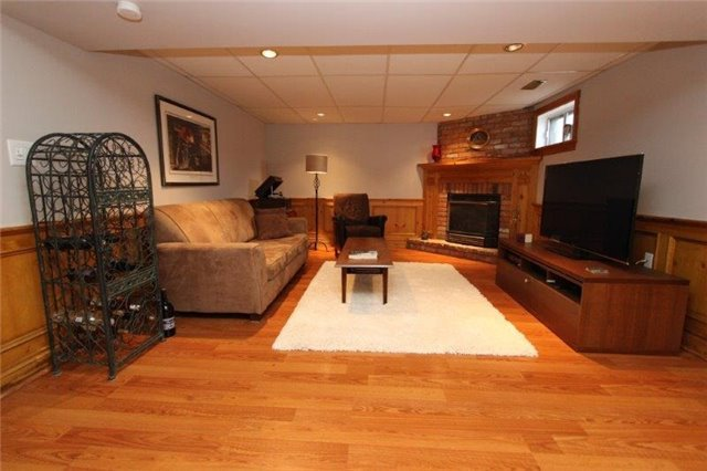 Detached at 861 Zator Ave, Pickering, Ontario. Image 4