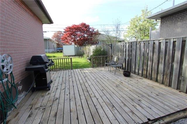 Detached at 861 Zator Ave, Pickering, Ontario. Image 7