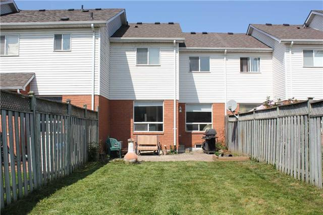 Townhouse at 160 Wilkins Cres, Clarington, Ontario. Image 5