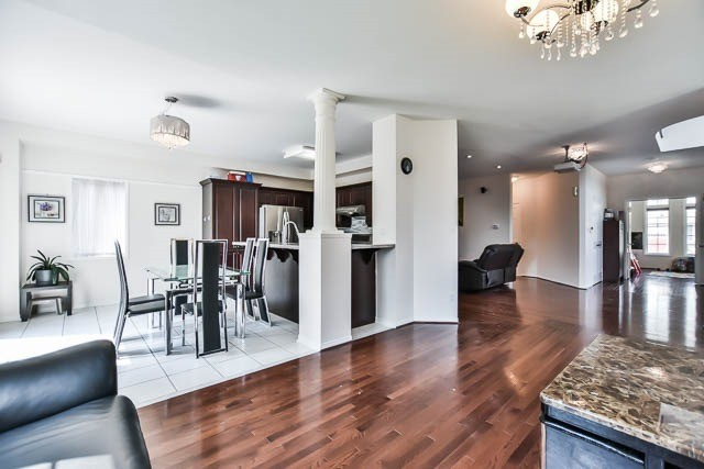 Detached at 1981 Wildflower Dr, Pickering, Ontario. Image 17