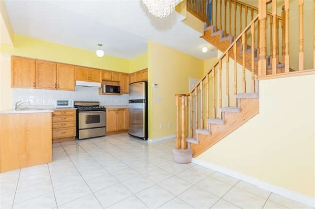 Semi-detached at 78 Misty Hills Tr, Toronto, Ontario. Image 3