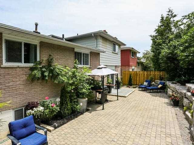 Detached at 573 Antigua Cres, Oshawa, Ontario. Image 11
