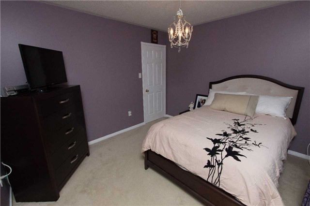 Detached at 75 Aster Cres, Whitby, Ontario. Image 5
