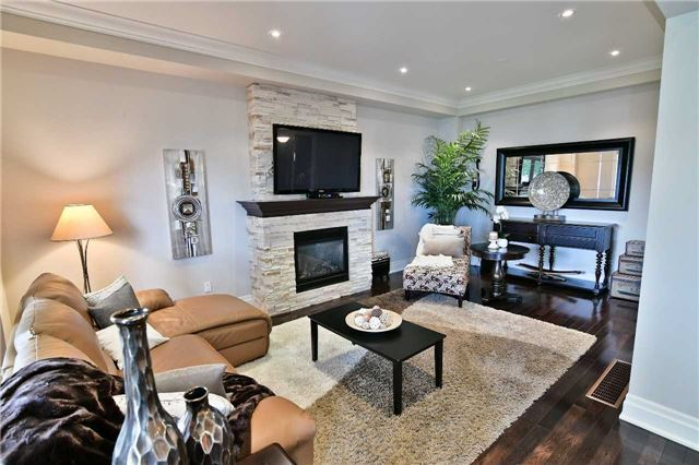 Detached at 810 Fairview Ave, Pickering, Ontario. Image 20