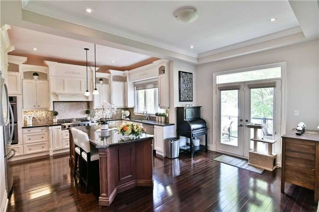 Detached at 810 Fairview Ave, Pickering, Ontario. Image 3
