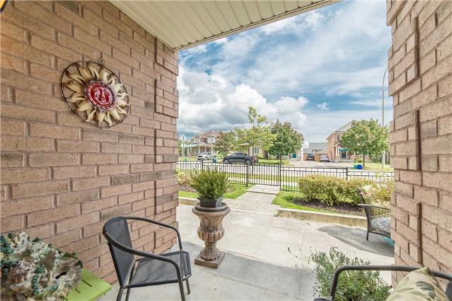 Condo With Common Elements at 104 Petra Way, Unit 1, Whitby, Ontario. Image 12
