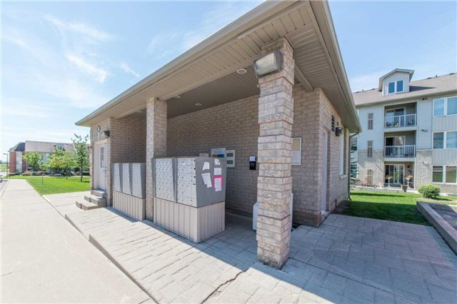 Condo With Common Elements at 104 Petra Way, Unit 1, Whitby, Ontario. Image 11