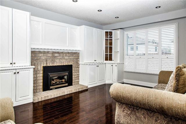 Detached at 10 Kennedy Dr, Clarington, Ontario. Image 18