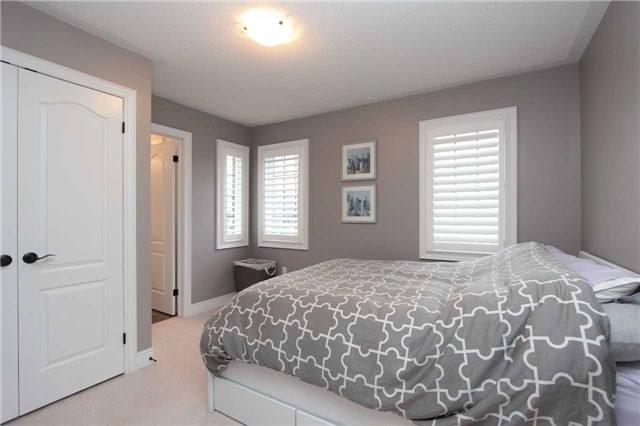 Detached at 11 Glengowan St, Whitby, Ontario. Image 4