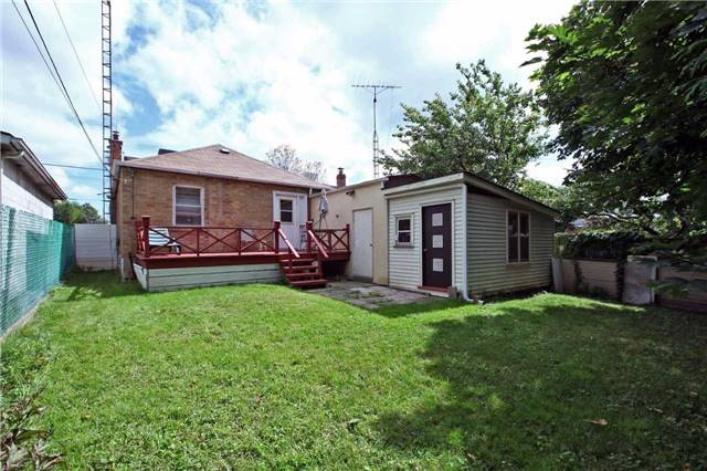 Detached at 842 Kennedy Rd, Toronto, Ontario. Image 11