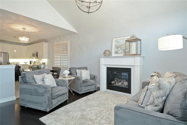 Detached at 8 Nightingale Cres, Whitby, Ontario. Image 19