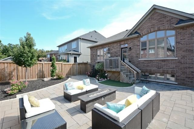 Detached at 8 Nightingale Cres, Whitby, Ontario. Image 10