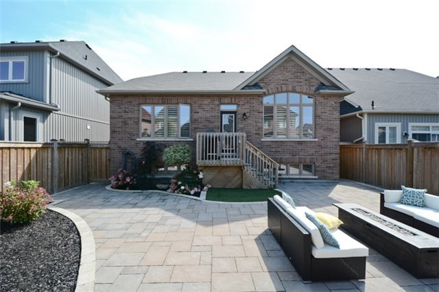 Detached at 8 Nightingale Cres, Whitby, Ontario. Image 13