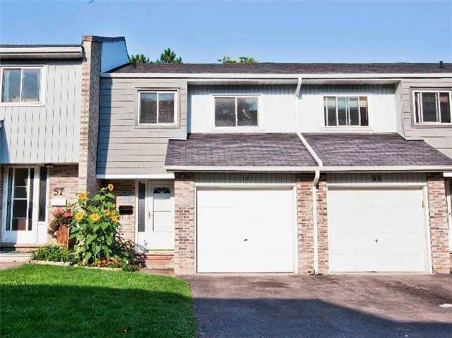 Condo Townhouse at 1975 Rosefield Rd, Unit 56, Pickering, Ontario. Image 12