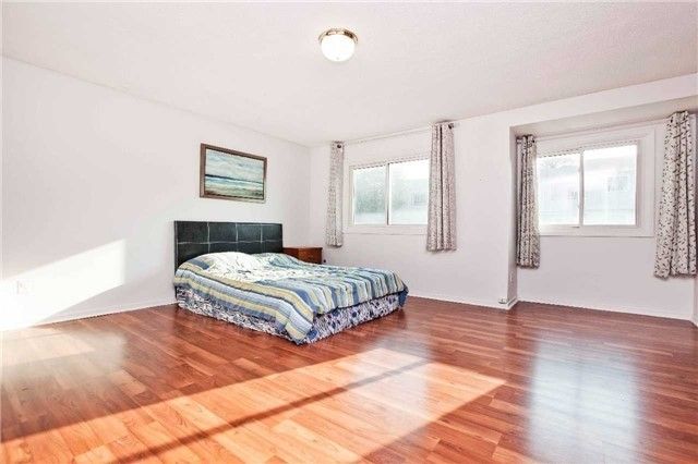 Condo Townhouse at 1975 Rosefield Rd, Unit 56, Pickering, Ontario. Image 3
