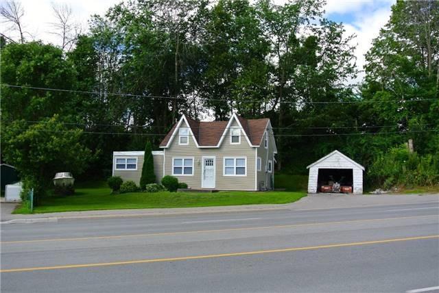 Detached at 1620 Simcoe St N, Oshawa, Ontario. Image 3