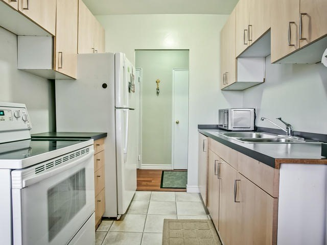 Condo Apartment at 915 Midland Ave, Unit 602, Toronto, Ontario. Image 6