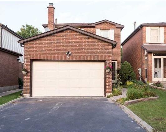 Detached at 5 Boxdene Ave, Toronto, Ontario. Image 1