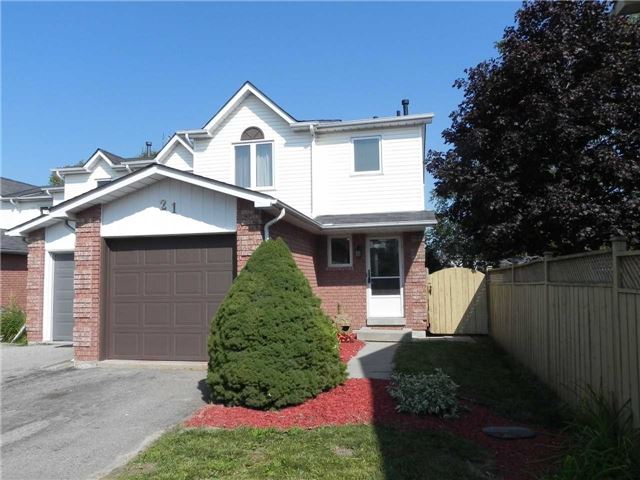 Townhouse at 21 Hanning Crt, Clarington, Ontario. Image 1