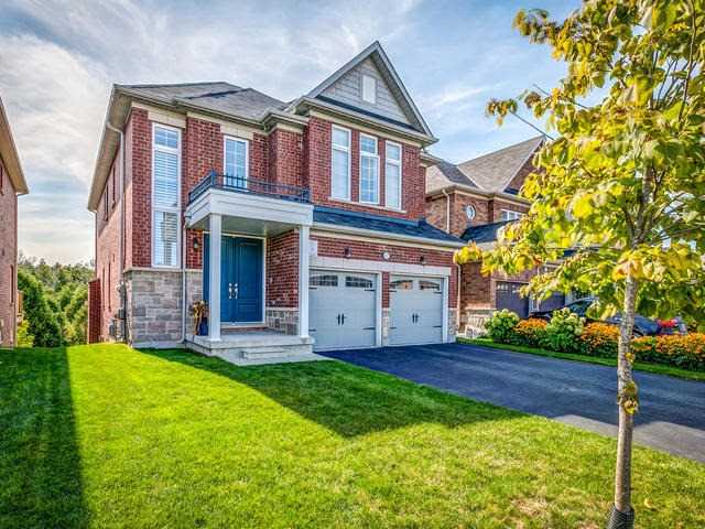Detached at 32 Endeavour Crt, Whitby, Ontario. Image 1