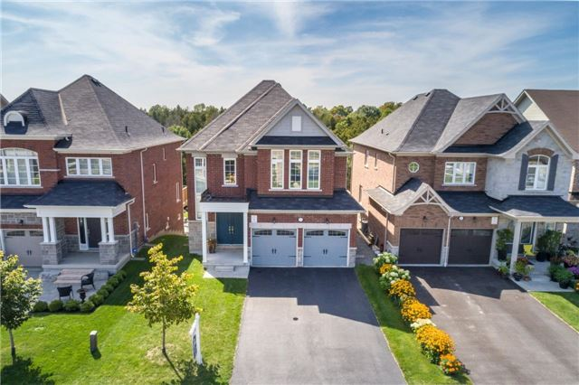 Detached at 32 Endeavour Crt, Whitby, Ontario. Image 12