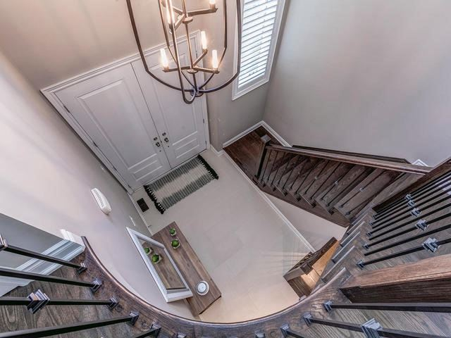 Detached at 32 Endeavour Crt, Whitby, Ontario. Image 14