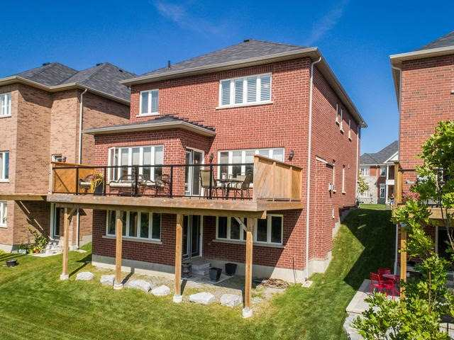Detached at 32 Endeavour Crt, Whitby, Ontario. Image 10