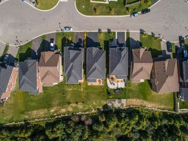 Detached at 32 Endeavour Crt, Whitby, Ontario. Image 11