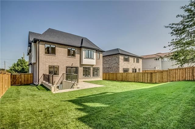Detached at 1748 Spruce Hill Rd, Pickering, Ontario. Image 10