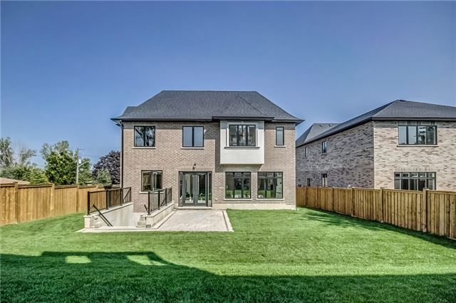 Detached at 1748 Spruce Hill Rd, Pickering, Ontario. Image 11